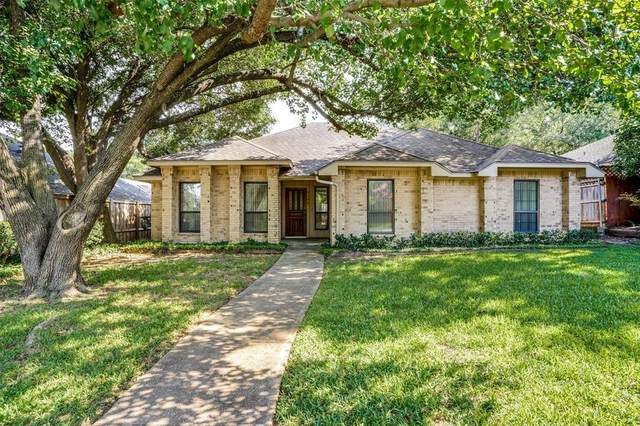 9136 Sweetwater Drive, Dallas, TX 75228 (MLS #14383490) :: Bray Real Estate Group