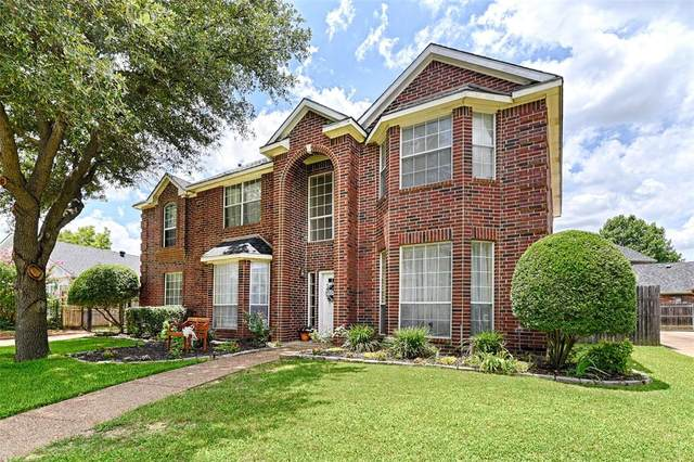 2829 Bremen Drive, Hurst, TX 76054 (MLS #14383642) :: The Mitchell Group