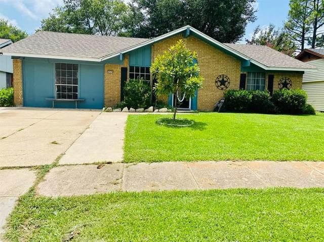 4909 Wildbriar Drive, Garland, TX 75043 (MLS #14383744) :: The Good Home Team