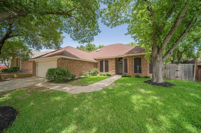 2332 Claremont Court, Flower Mound, TX 75028 (MLS #14383941) :: Baldree Home Team