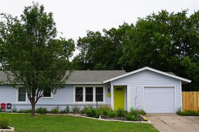 217 SW Moody Street, Burleson, TX 76028 (MLS #14384146) :: The Chad Smith Team