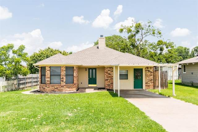 321 Mustang Trail, Granbury, TX 76049 (MLS #14384377) :: Frankie Arthur Real Estate