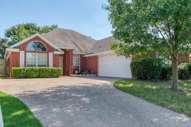 7904 Fox Chase Drive, Arlington, TX 76001 (MLS #14384400) :: Team Tiller