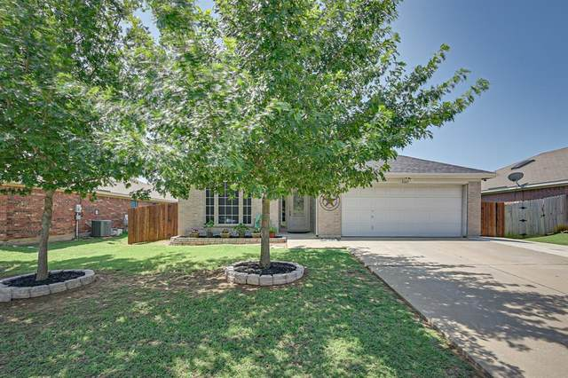 1361 Meadowbrook Lane, Crowley, TX 76036 (MLS #14384424) :: The Mitchell Group