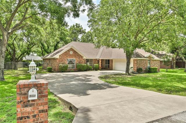 9305 S Longwood Drive, Granbury, TX 76049 (MLS #14384761) :: The Chad Smith Team