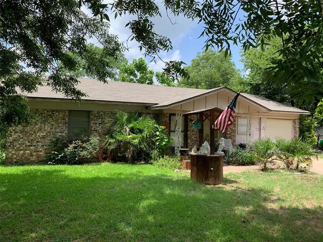 1600 SE 23rd Avenue, Mineral Wells, TX 76067 (MLS #14384776) :: All Cities USA Realty