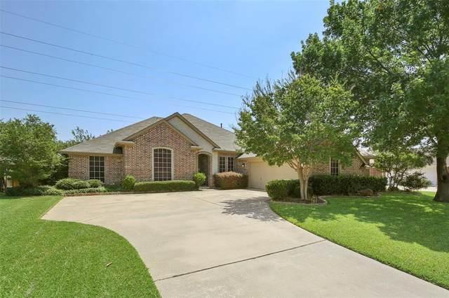 7308 Spring Oak Drive, North Richland Hills, TX 76182 (MLS #14384913) :: Potts Realty Group
