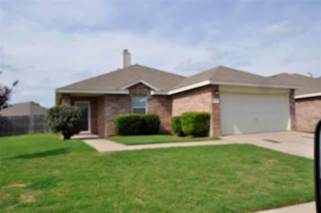 596 Creekbend Street, Crowley, TX 76036 (MLS #14385210) :: The Good Home Team