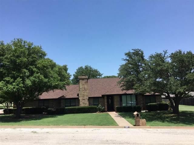112 Woodland, Olney, TX 76374 (MLS #14385388) :: The Kimberly Davis Group