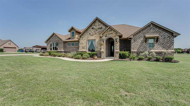 2121 Twin Creeks Circle, Pilot Point, TX 76258 (MLS #14385496) :: North Texas Team | RE/MAX Lifestyle Property