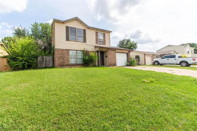 2310 Foxcroft Lane, Arlington, TX 76014 (MLS #14385562) :: The Good Home Team