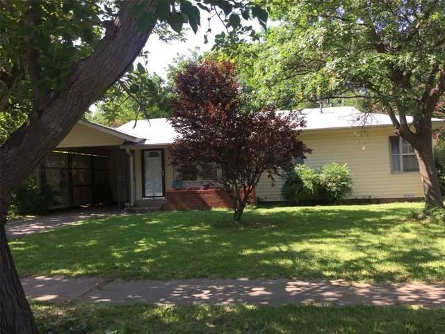 706 W Bloodworth, Olney, TX 76374 (MLS #14385669) :: The Kimberly Davis Group