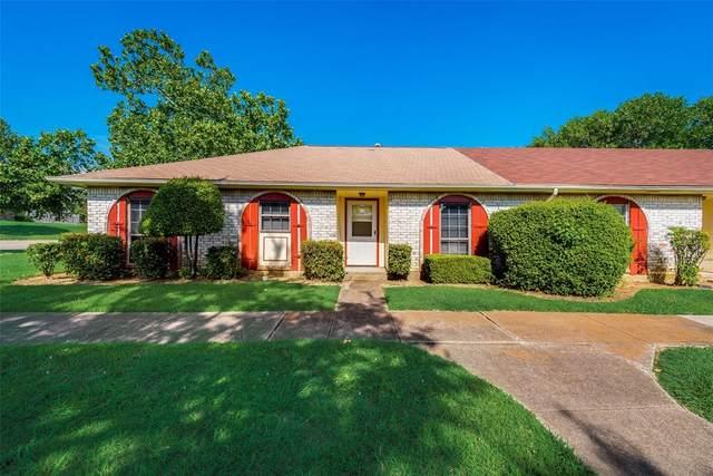 24 W Mountain Lane, Grand Prairie, TX 75052 (MLS #14385717) :: The Hornburg Real Estate Group