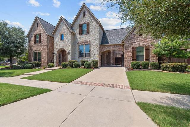 4018 Castle Bank Lane, Frisco, TX 75033 (MLS #14386017) :: The Heyl Group at Keller Williams