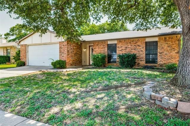 7817 Whirlwind Drive, Fort Worth, TX 76133 (MLS #14386019) :: NewHomePrograms.com LLC