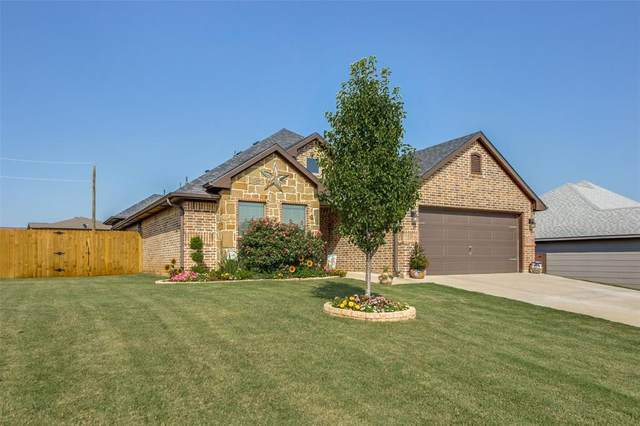 2812 S Lillis Lane, Denison, TX 75020 (MLS #14386045) :: The Kimberly Davis Group