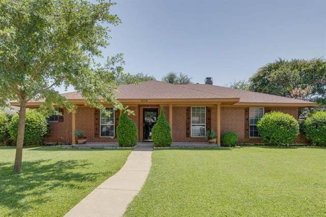 406 Quintana Drive, Garland, TX 75043 (MLS #14386167) :: Tenesha Lusk Realty Group