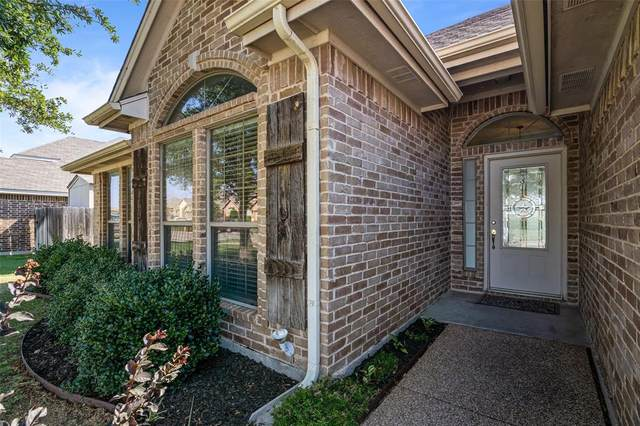 412 Nottingham Court, Saginaw, TX 76179 (MLS #14386287) :: The Heyl Group at Keller Williams