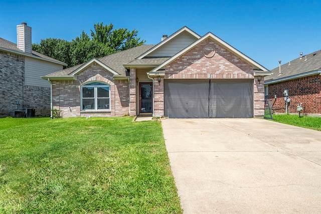 605 Crystal Brook Drive, Saginaw, TX 76179 (MLS #14386429) :: The Heyl Group at Keller Williams