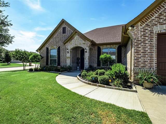 401 River Bank Lane, Granbury, TX 76049 (MLS #14386744) :: The Kimberly Davis Group