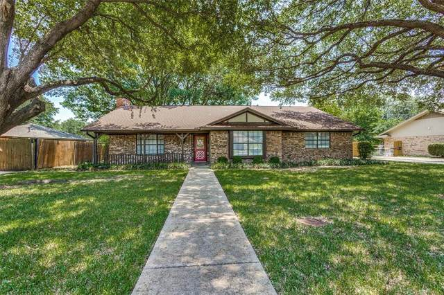 1504 E Windsor Drive, Denton, TX 76209 (MLS #14386816) :: The Kimberly Davis Group