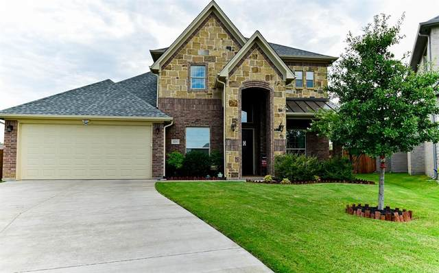 400 Blue Star Court, Burleson, TX 76028 (MLS #14386954) :: Hargrove Realty Group