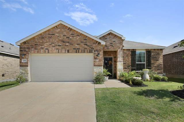 1901 Trace Drive, Aubrey, TX 76227 (MLS #14387152) :: The Kimberly Davis Group