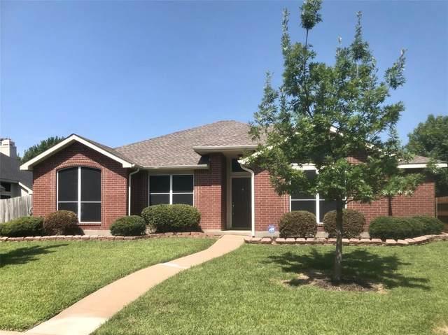 107 N Carriage House Way, Wylie, TX 75098 (MLS #14387839) :: Tenesha Lusk Realty Group