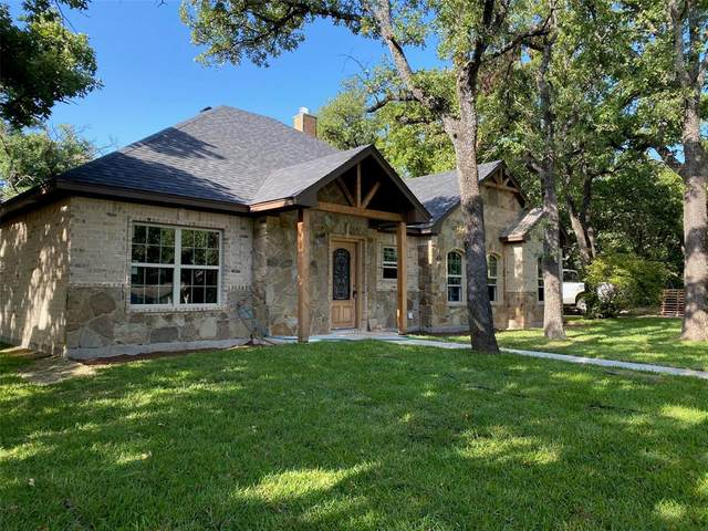 1010 Shady Oaks Drive, Bridgeport, TX 76426 (MLS #14388174) :: The Hornburg Real Estate Group