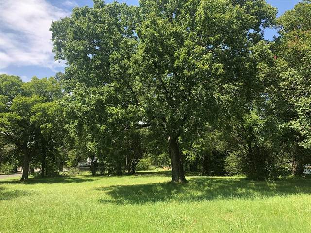 1004 N 5th Avenue, Denison, TX 75021 (MLS #14388705) :: The Kimberly Davis Group