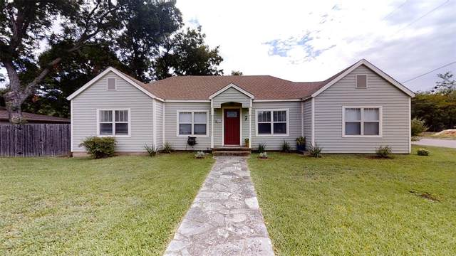 521 W Bluff Street, Granbury, TX 76048 (MLS #14388774) :: The Kimberly Davis Group