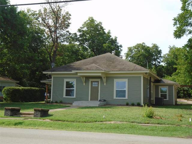 500 E Criner Street, Grandview, TX 76050 (MLS #14389328) :: The Kimberly Davis Group