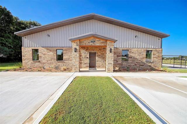 8706 Ike Byrom Road, Krugerville, TX 76227 (MLS #14389354) :: The Kimberly Davis Group