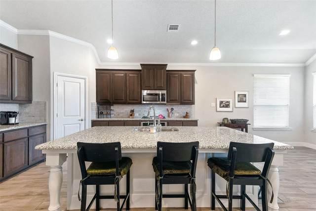4017 Honeyapple Way, Fort Worth, TX 76137 (MLS #14389428) :: The Heyl Group at Keller Williams
