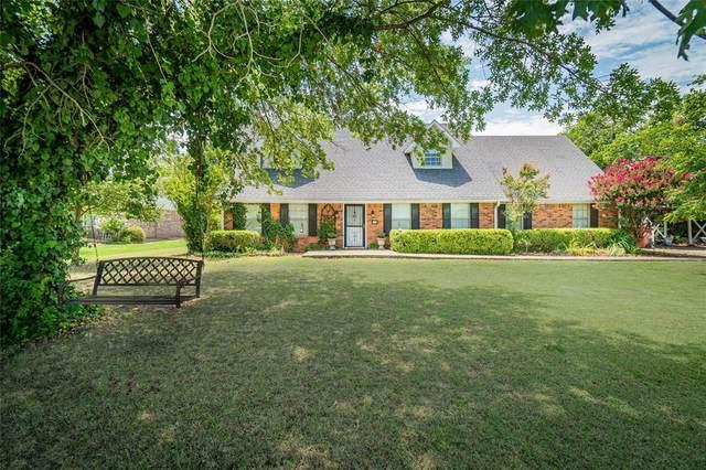 305 S Savage Street, Whitewright, TX 75491 (MLS #14389582) :: The Mauelshagen Group