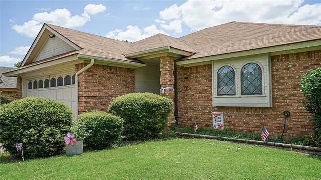 824 Wind Brooke Drive, Arlington, TX 76001 (MLS #14390472) :: The Heyl Group at Keller Williams
