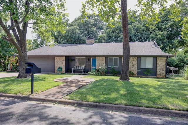 2714 Devonshire Drive, Sherman, TX 75092 (MLS #14390549) :: The Heyl Group at Keller Williams