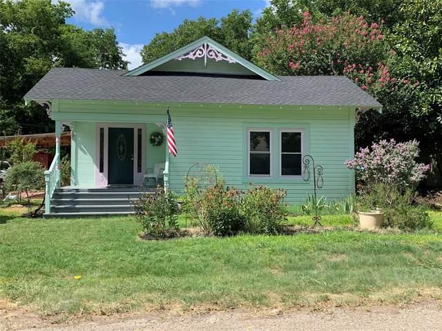 305 Scurlock Street, Grandview, TX 76050 (MLS #14390938) :: The Kimberly Davis Group
