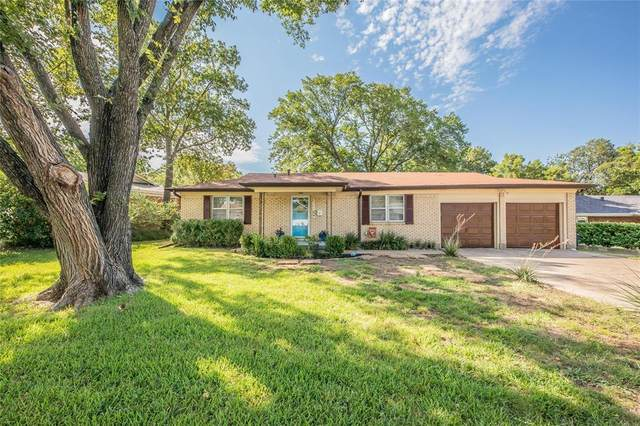 404 E Alexander Lane, Euless, TX 76040 (MLS #14392472) :: Team Tiller