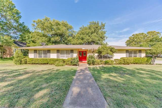 1000 S Trinity Street, Decatur, TX 76234 (MLS #14392647) :: The Chad Smith Team