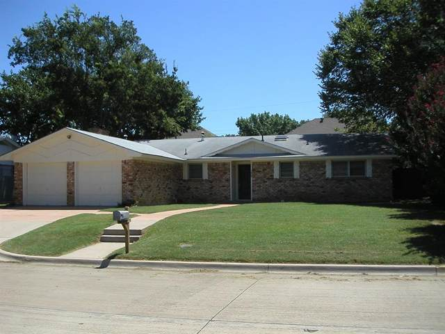 1228 Desiree Lane, Hurst, TX 76053 (MLS #14392789) :: NewHomePrograms.com LLC