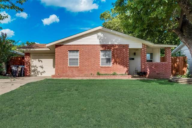 3033 Olive Place, Fort Worth, TX 76116 (MLS #14393198) :: Frankie Arthur Real Estate