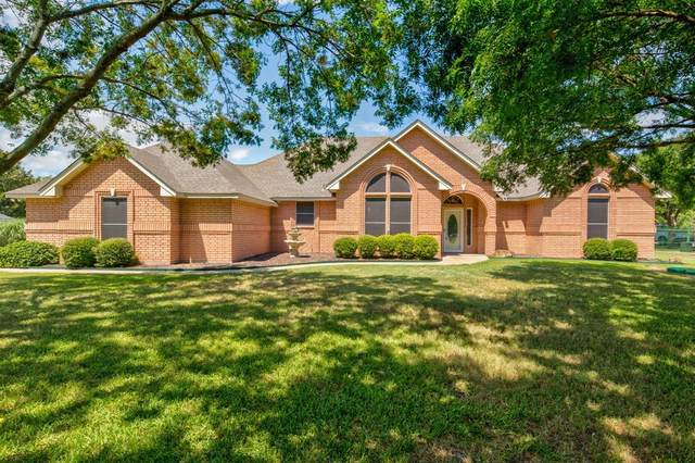 1220 W Cleburne Road, Crowley, TX 76036 (MLS #14393607) :: The Heyl Group at Keller Williams