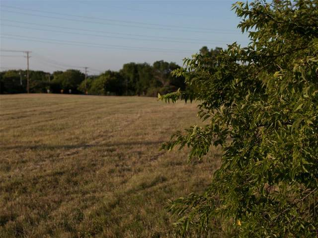 935 S Clark Road, Cedar Hill, TX 75104 (MLS #14393637) :: All Cities USA Realty