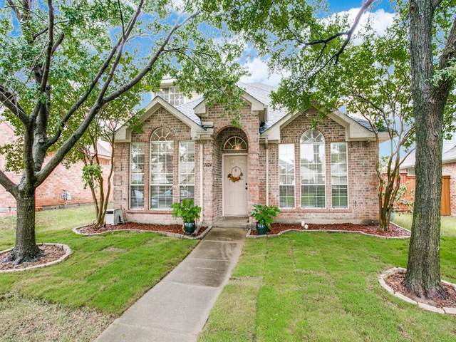 1424 Ross Drive, Lewisville, TX 75067 (MLS #14396449) :: Maegan Brest | Keller Williams Realty
