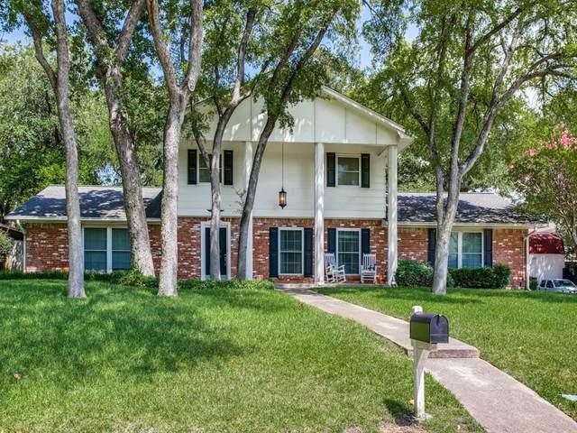 2318 Robinhood Drive, Grand Prairie, TX 75050 (MLS #14396530) :: The Chad Smith Team