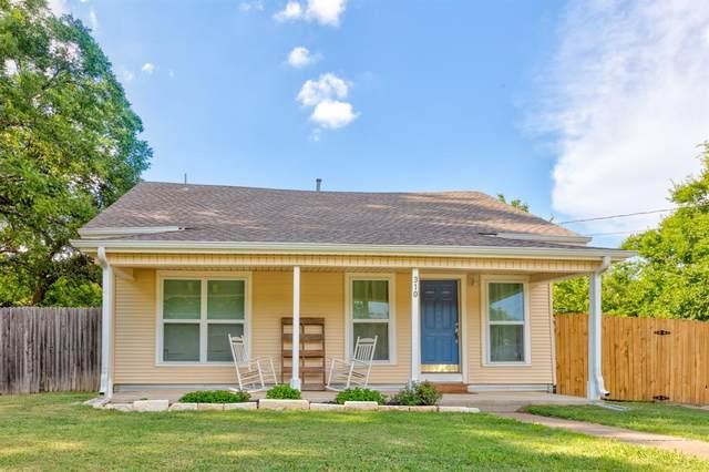 310 E Grove Street, Pilot Point, TX 76258 (MLS #14398075) :: The Good Home Team