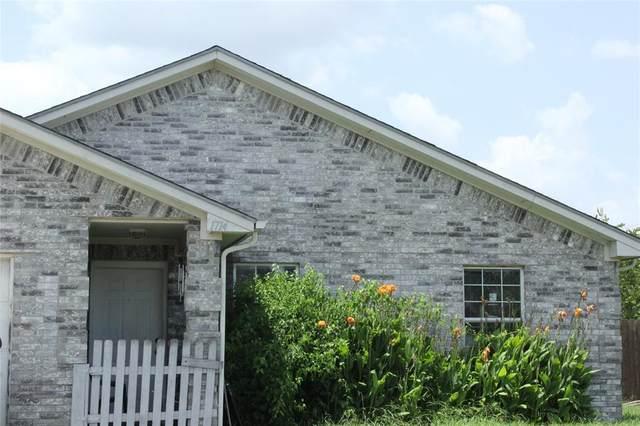 1714 Manor Garden, Greenville, TX 75401 (MLS #14398395) :: NewHomePrograms.com LLC