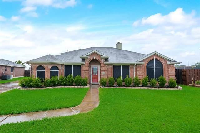 2808 Cantura Drive, Mesquite, TX 75181 (MLS #14398586) :: The Heyl Group at Keller Williams