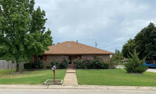 1 W Sharon Drive, Krum, TX 76249 (MLS #14398745) :: The Heyl Group at Keller Williams